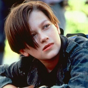ターミネーター2』に登場する子役ジョン・コナーを演じた
