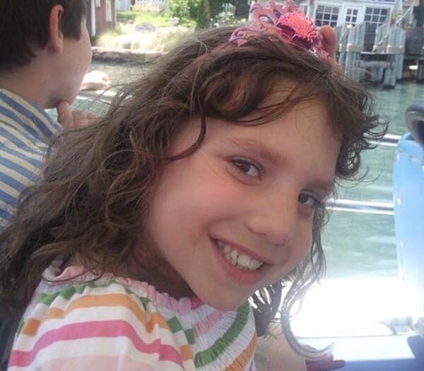 リアルエスター発生!画像あり!8歳少女が実は22歳のサイコパス